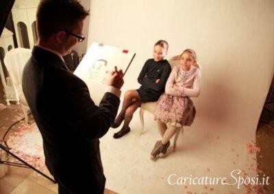 valentino-villanova-caricature-intrattenimento-coppia-bambine-matrimonio-400x284 Caricature al Matrimonio